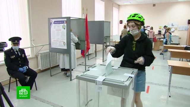 По поправкам в Конституцию проголосовали более 2, 7 млн петербуржцев.Санкт-Петербург, выборы, конституции.НТВ.Ru: новости, видео, программы телеканала НТВ