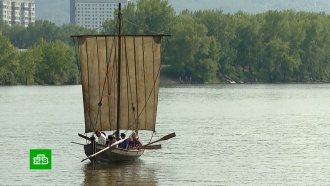 Уникальная копия древнего судна казаков отправилась в плавание по Енисею