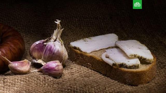 Как похудеть, питаясь бутербродами с салом.Диетолог назвала ситуацию, когда сало может помочь сбросить лишний вес.еда, лишний вес/диеты/похудение, продукты.НТВ.Ru: новости, видео, программы телеканала НТВ