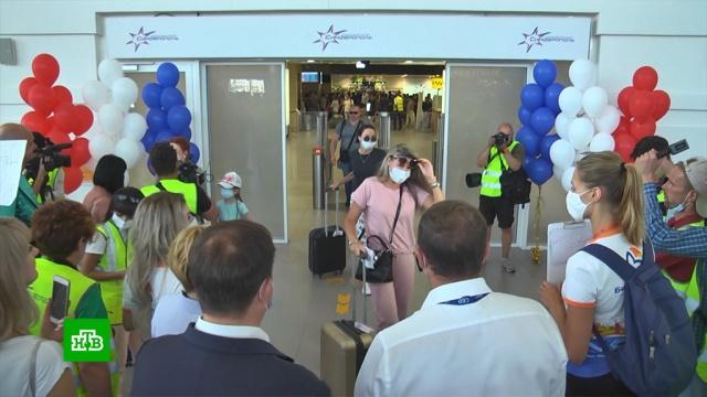 Аэропорт Крыма впервые за последние 10лет принял прямой рейс из Владивостока.Владивосток, Дальний Восток, Крым, авиация, самолеты, туризм и путешествия.НТВ.Ru: новости, видео, программы телеканала НТВ