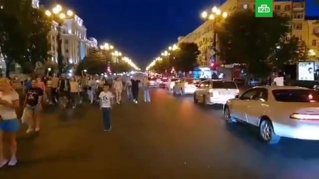 ВХабаровске проходит третий стихийный митинг вподдержку Фургала.Хабаровский край, аресты, губернаторы, митинги и протесты, убийства и покушения.НТВ.Ru: новости, видео, программы телеканала НТВ