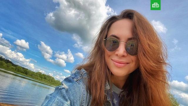 Сестра Фриске пришла в ярость от сравнения с Жанной.Стала известна реакция сестры Жанны Фриске Натальи, вызвавшей критику из-за выступления в одежде умершей знаменитости.знаменитости, скандалы, Фриске, шоу-бизнес.НТВ.Ru: новости, видео, программы телеканала НТВ