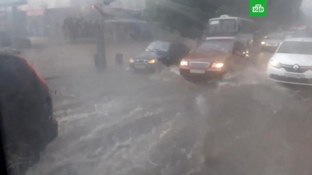 Мощный ливень превратил улицы Краснодара вреки.Краснодар, погода, погодные аномалии.НТВ.Ru: новости, видео, программы телеканала НТВ