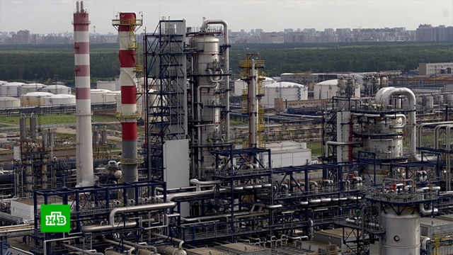 Путин по видеосвязи запустил комплекс Евро+ на Московском НПЗ.Москва, Путин, заводы и фабрики, нефть, бензин, нацпроекты, топливо, экология, Газпром, Газпром нефть.НТВ.Ru: новости, видео, программы телеканала НТВ