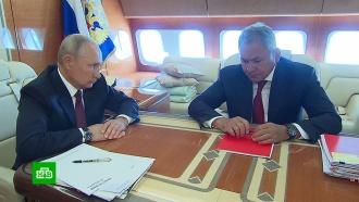 Путин поблагодарил Шойгу после парада ВМФ