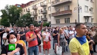 В Киеве радикалы устроили акцию против прекращения огня в Донбассе