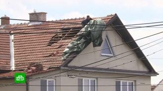 Ураган в Чехии сносил крыши и вырывал с корнем деревья