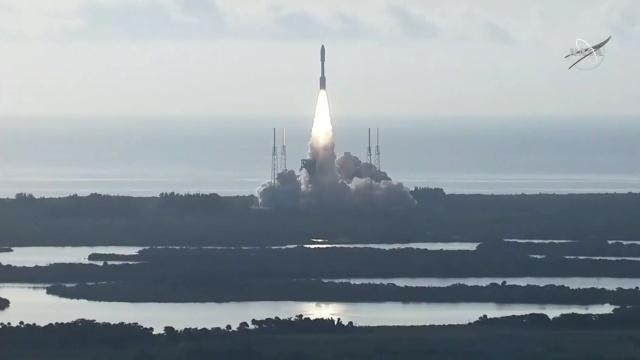Запуск марсохода Perseverance.Запуск марсохода NASA Perseverance на ракете-носителе Atlas V. Аппарат должен сесть в кратере Йезеро на экваторе Марса в феврале 2021 года.НТВ.Ru: новости, видео, программы телеканала НТВ