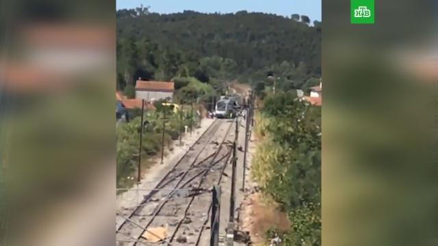 Скоростной поезд потерпел крушение вПортугалии: десятки пострадавших.Португалия, аварии на транспорте, поезда, смерть.НТВ.Ru: новости, видео, программы телеканала НТВ