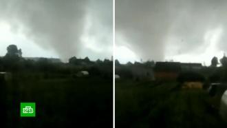 Мощный ураган в Кировской области повалил деревья и изуродовал дома