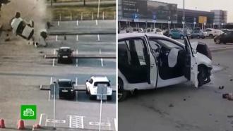 Такси перевернулось в воздухе и влетело на парковку аэропорта в Екатеринбурге.НТВ.Ru: новости, видео, программы телеканала НТВ