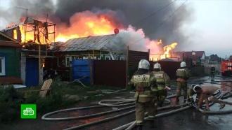 В Самаре пожар охватил 10 жилых домов