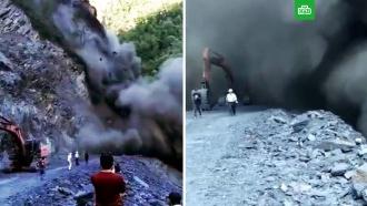 Рабочие чудом спаслись от камнепада
