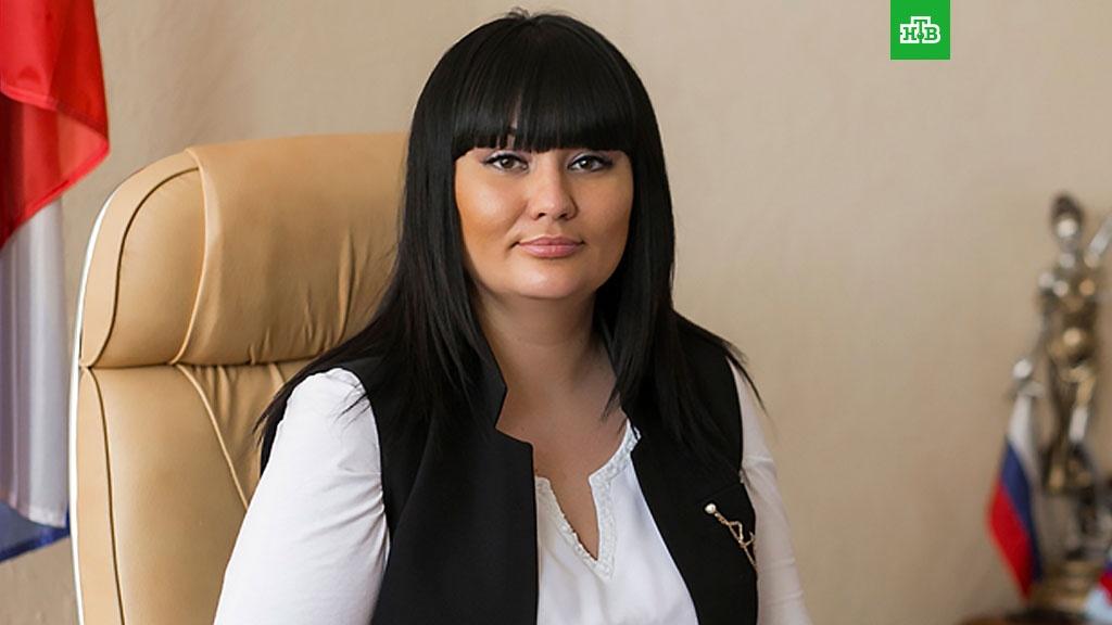 Пойманная на взятке глава райсуда Волгограда устроила истерику в ресторане