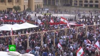 Вцентре Бейрута появилась виселица скартонными фигурами чиновников