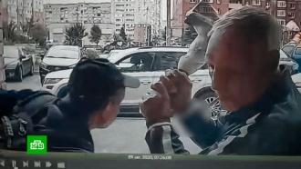 Изрубленный топором лифтер мешал спать всему подъезду.НТВ.Ru: новости, видео, программы телеканала НТВ