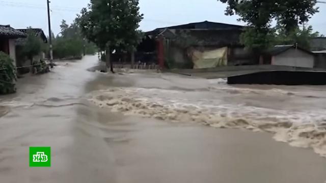 Ливни привели ксильнейшему наводнению вКитае.Китай, наводнения.НТВ.Ru: новости, видео, программы телеканала НТВ