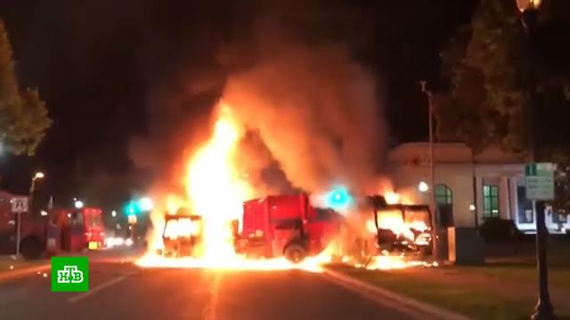 В Висконсине вспыхнули новые протесты из-за действий полиции.США, беспорядки, митинги и протесты, полиция, скандалы.НТВ.Ru: новости, видео, программы телеканала НТВ
