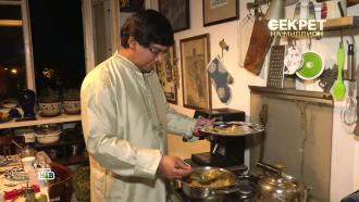 Принц на хозяйстве: муж Арбатовой стирает, убирает и моет посуду