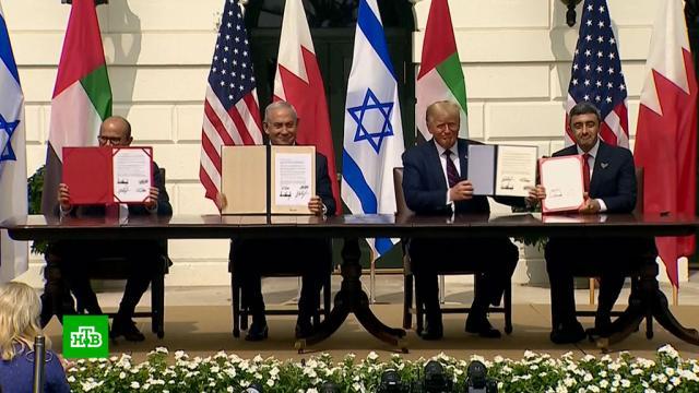 Трамп: еще пять арабских стран готовы подписать соглашения сИзраилем.Бахрейн, Ближний Восток, Израиль, ОАЭ, США.НТВ.Ru: новости, видео, программы телеканала НТВ