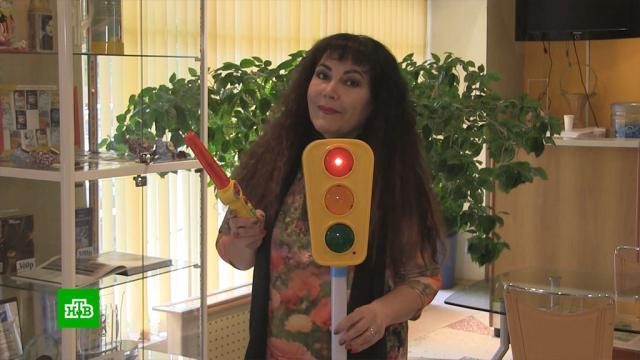 Поэтесса из Тюмени хочет засудить производителей говорящих игрушек.Тюмень, игры и игрушки, литература, пиратство и авторское право, поэзия и поэты, суды.НТВ.Ru: новости, видео, программы телеканала НТВ