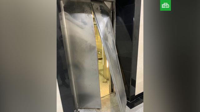 В московском вузе рухнул лифт со студентами: фото.Следователи проверяют сообщения о ЧП с лифтом в Московском финансово-юридическом университете (МФЮА).Москва, вузы, лифты.НТВ.Ru: новости, видео, программы телеканала НТВ