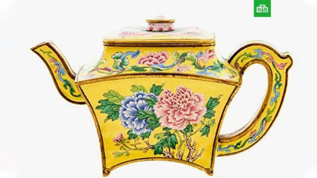Мужчина нашел в гараже чайник ценой полмиллиона долларов.Житель Великобритании нашел в гараже дедушкин чайник и продал его за 495 тысяч долларов.Великобритания, клады.НТВ.Ru: новости, видео, программы телеканала НТВ