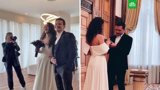 Илья Яшин женился на певице.Яшин Илья, браки и разводы.НТВ.Ru: новости, видео, программы телеканала НТВ