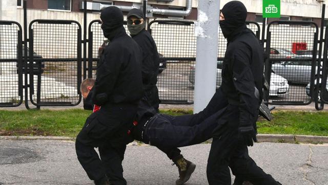 МВД Белоруссии сообщило о задержании 200 протестующих.Несанкционированные акции протеста прошли практически во всех регионах Белоруссии, сообщили в МВД страны.Белоруссия, митинги и протесты.НТВ.Ru: новости, видео, программы телеканала НТВ