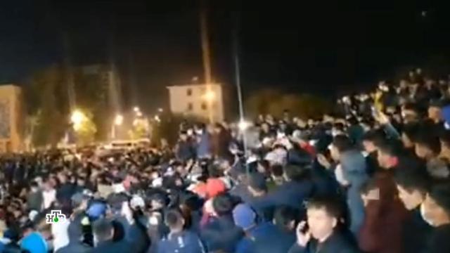 «Возврат к османскому прошлому»: в протестах в Киргизии нашли турецкий след.Бишкек, Киргизия, Турция, митинги и протесты.НТВ.Ru: новости, видео, программы телеканала НТВ