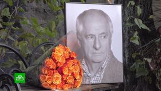 В Москве открыли памятник Марку Захарову