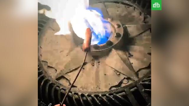 Житель Чебоксар пожарил сосиски на Вечном огне.Чувашия, вандализм, памятники, полиция.НТВ.Ru: новости, видео, программы телеканала НТВ