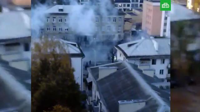 Силовики начали разгонять протестующих вМинске светошумовыми гранатами.Белоруссия, Минск, митинги и протесты.НТВ.Ru: новости, видео, программы телеканала НТВ