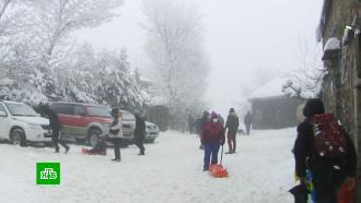 Сильнейшие снегопады обрушились на юг Европы
