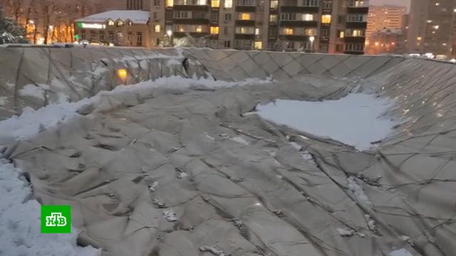 После снегопадов вКраснодаре рухнул купол спорткомплекса «Екатеринодар».Краснодар, Краснодарский край, зима, снег.НТВ.Ru: новости, видео, программы телеканала НТВ