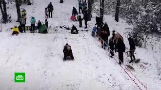 Снегопадам иморозам на юге России радуются дети ипродавцы лопат