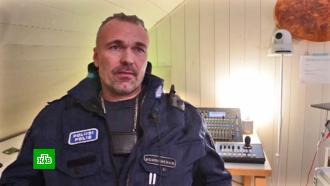 Знаменитый поющий полицейский из Финляндии записывает альбом на русском языке