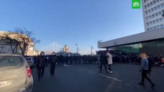 На несанкционированную акцию вХабаровске иВладивостоке вышли несколько сотен человек