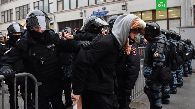 Омбудсмен сообщила о задержании более тысячи митингующих в Москве.Уполномоченный по правам человека в Москве Татьяна Потяева назвала число задержанных на субботней акции оппозиции.Москва, Навальный, драки и избиения, митинги и протесты.НТВ.Ru: новости, видео, программы телеканала НТВ