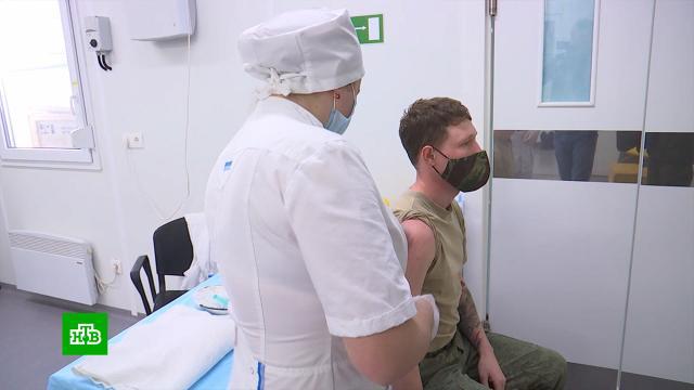 На авиабазе Хмеймим вСирии началась вакцинация личного состава.Сирия, армия и флот РФ, болезни, здоровье, коронавирус, прививки, эпидемия.НТВ.Ru: новости, видео, программы телеканала НТВ