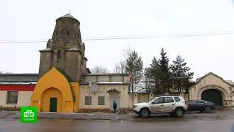 Впоселке Виллози незаконно перекрасили старинную башню