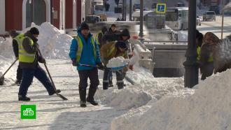 Коммунальщики Владивостока вывезли из города тонны сугробов