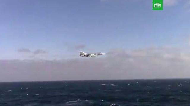 Военные США опубликовали видео пролета Су-24 вблизи эсминца «Дональд Кук».НАТО, США, Чёрное море, авиация, армии мира, армия и флот РФ, самолеты.НТВ.Ru: новости, видео, программы телеканала НТВ