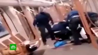 Мужчина сножом напал на пассажиров вметро Брюсселя