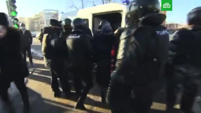 Врайоне Мосгорсуда начались задержания.Москва, Навальный, оппозиция, приговоры, расследование, суды.НТВ.Ru: новости, видео, программы телеканала НТВ