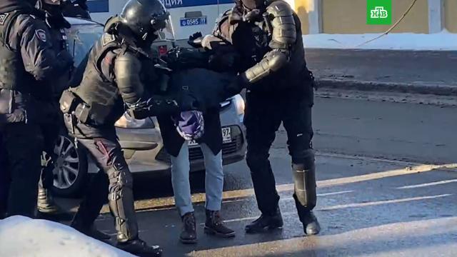 Более 100человек задержаны врайоне Мосгорсуда.Москва, Навальный, задержание, оппозиция, приговоры, расследование, суды.НТВ.Ru: новости, видео, программы телеканала НТВ