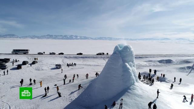 Посреди степи вКазахстане появился «ледяной вулкан».Казахстан, зима.НТВ.Ru: новости, видео, программы телеканала НТВ