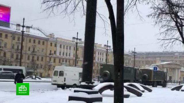 В полиции не смогли объяснить, почему перекрывалось движение в центре Петербурга.Росгвардия, Санкт-Петербург, дорожное движение, митинги и протесты, полиция.НТВ.Ru: новости, видео, программы телеканала НТВ