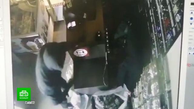 Полиция задержала грабителей, опустошавших магазины по ночам.Санкт-Петербург, кражи и ограбления, магазины, полиция.НТВ.Ru: новости, видео, программы телеканала НТВ