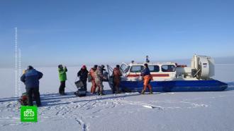 Под Петербургом спасатели эвакуировали рыбаков с оторвавшейся льдины